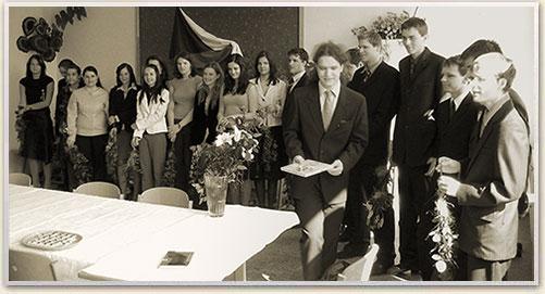 absolventi_2005-4R