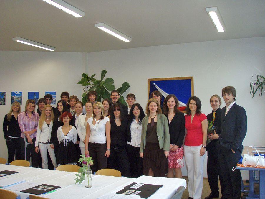 absolventi_2008-8