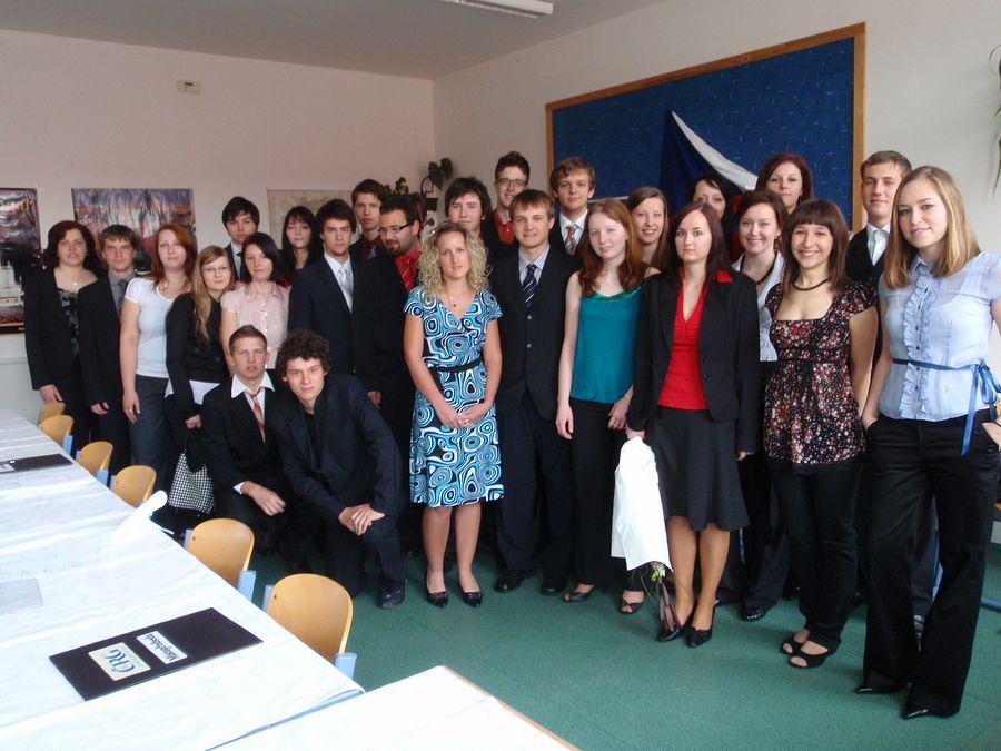 absolventi_2010-4R
