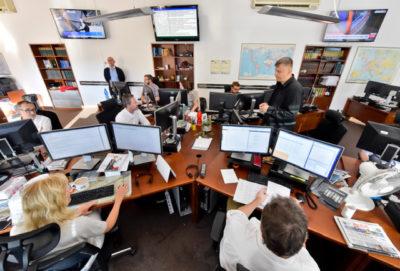 ČTK - ranní plánovací porada, redakce, redakční sál